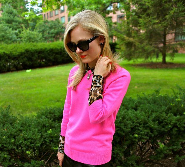 pink leo crop