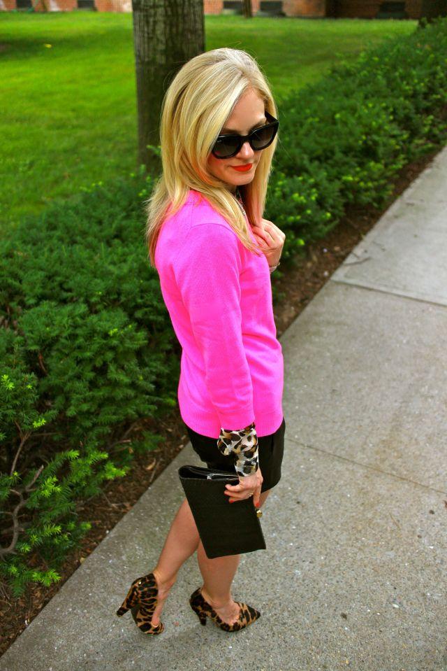 pink leo down