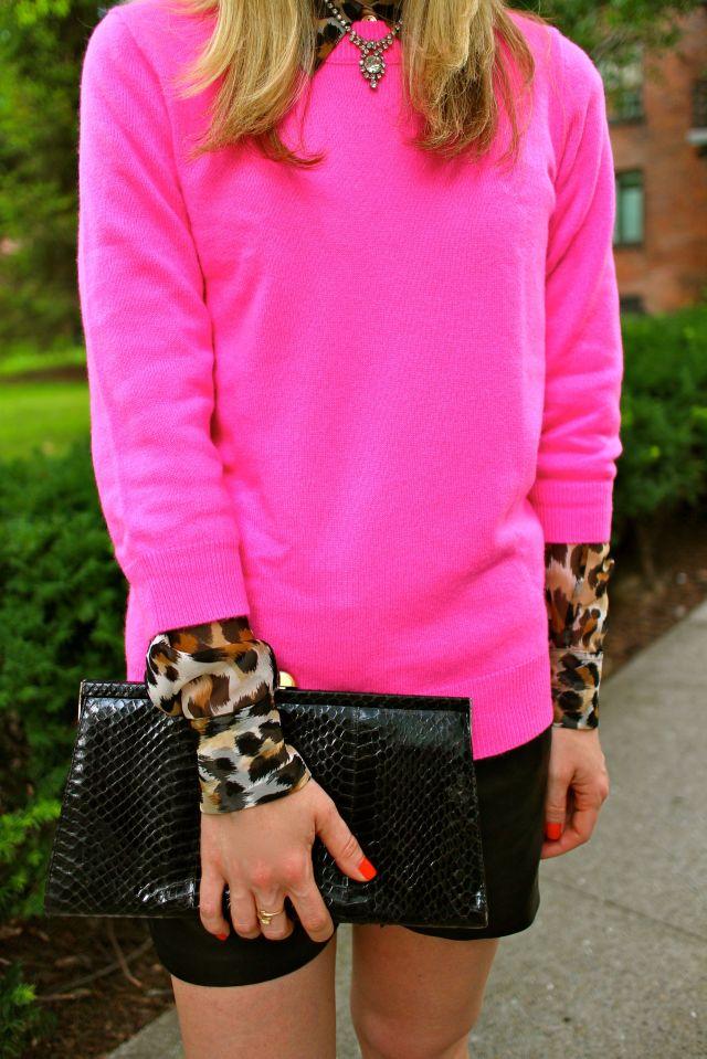 pink leo half