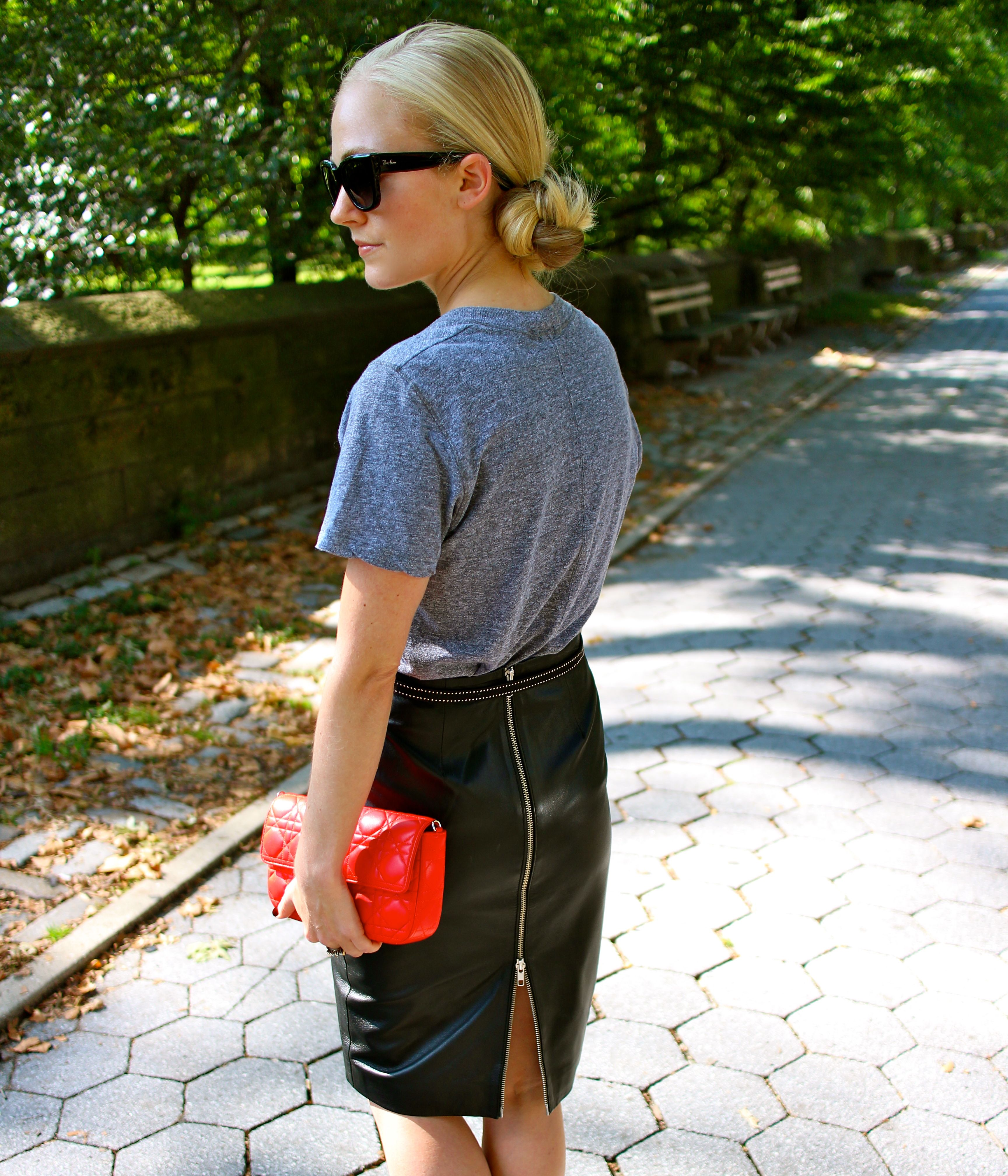 Leather skirt with back zip – Fashionable skirts 2017 photo blog