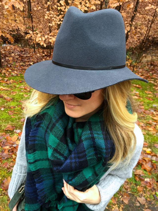 black w hat
