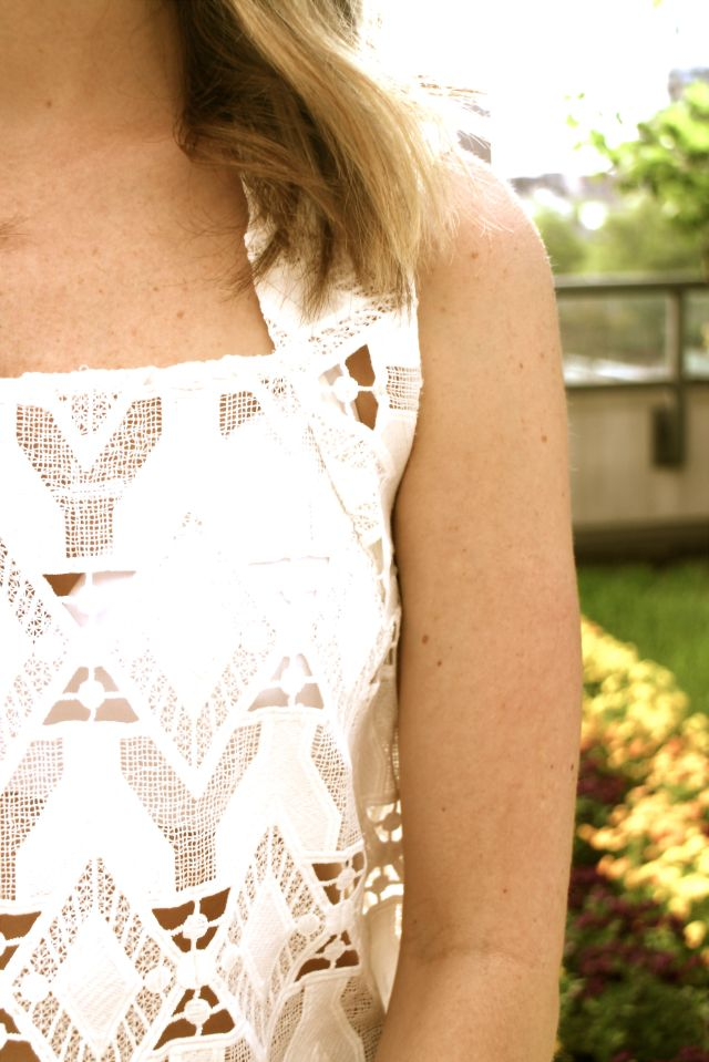 summer lace detail